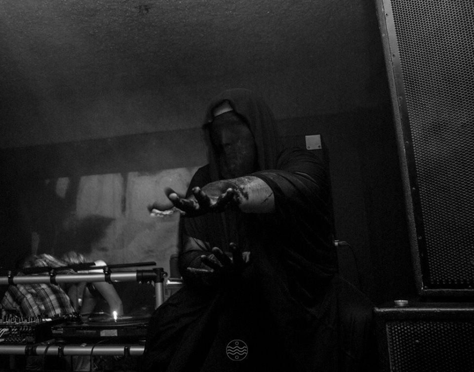 Gruth feat Elsiane Monstra 3